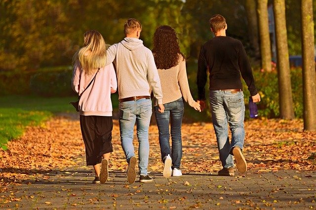 Is it our social responsibility to be in healthy love relationships?